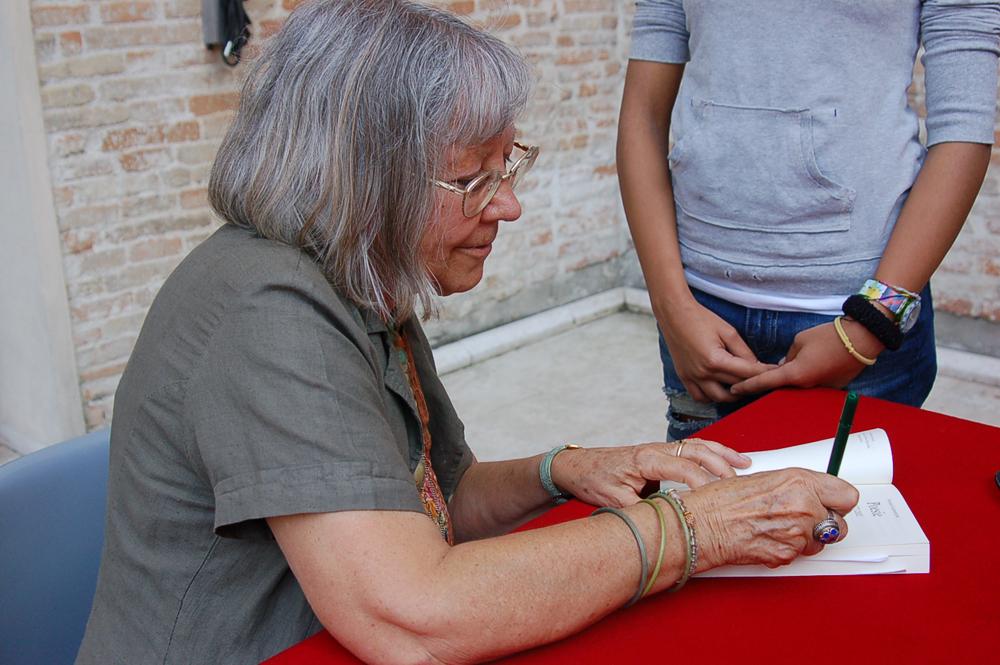 Vivian Lamarque a Mare di Libri 2013